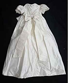 L' Pety Canar Ivory Silk Christening Gown & Hat Set (Size 6m)